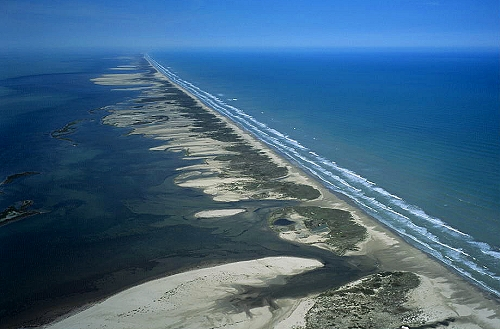 thirteen barrier islands America's barrier islands have stunning beaches, rugged dunes, and constantly evolving coastlines here are our ten favorites.