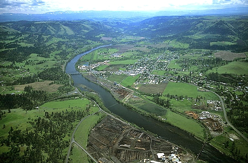 airphoto   aerial photograph of kamiah clearwater county