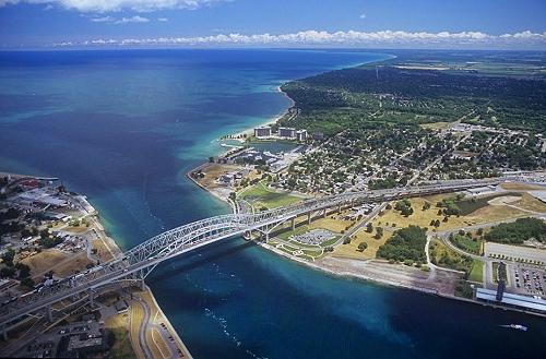 Port Huron (MI) United States  City pictures : st clair river port huron bridge joins port huron mi